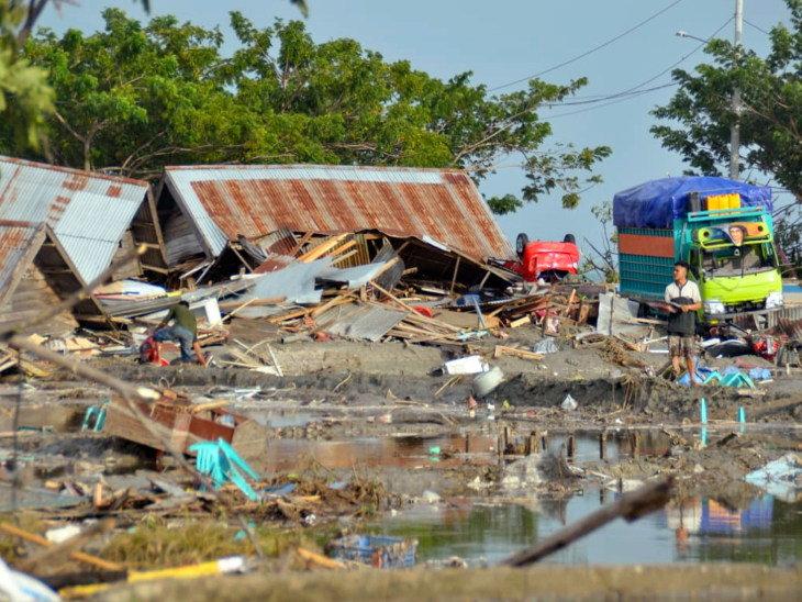 tsunami terbesar di indonesia